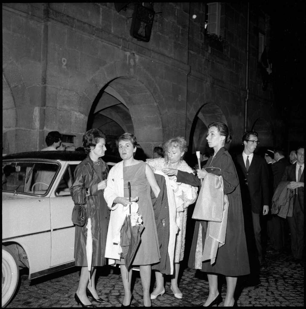 23-1962 inauguration Exposition Courbet à Ornans, Elza Gaudillière, mère de l'artiste et Lidvina, épouse de l'artiste