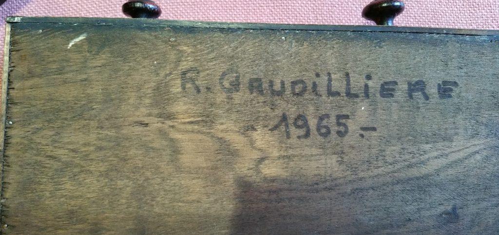 1965 l'étagére à pipes ,fond couvercle