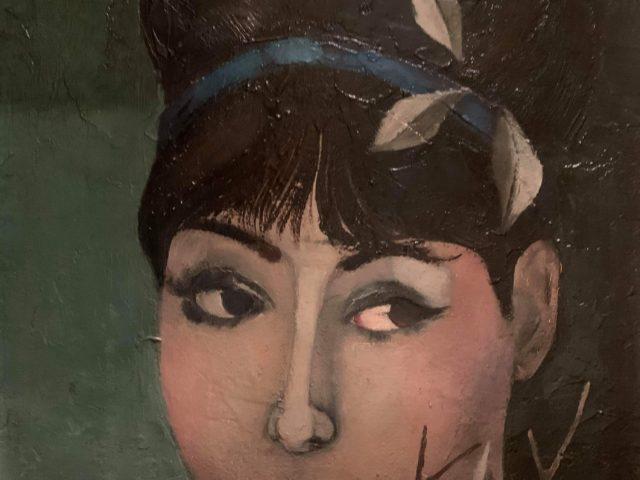 Portrait de jeune fille au ruban bleu